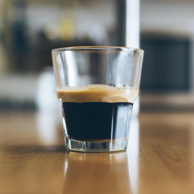 Pravda o bezkofeinové kávě