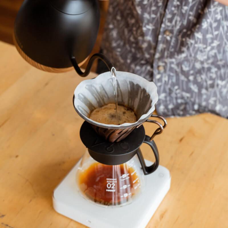 Co je to agitace a jak nám může pomoct při přípravě filtrované kávy?