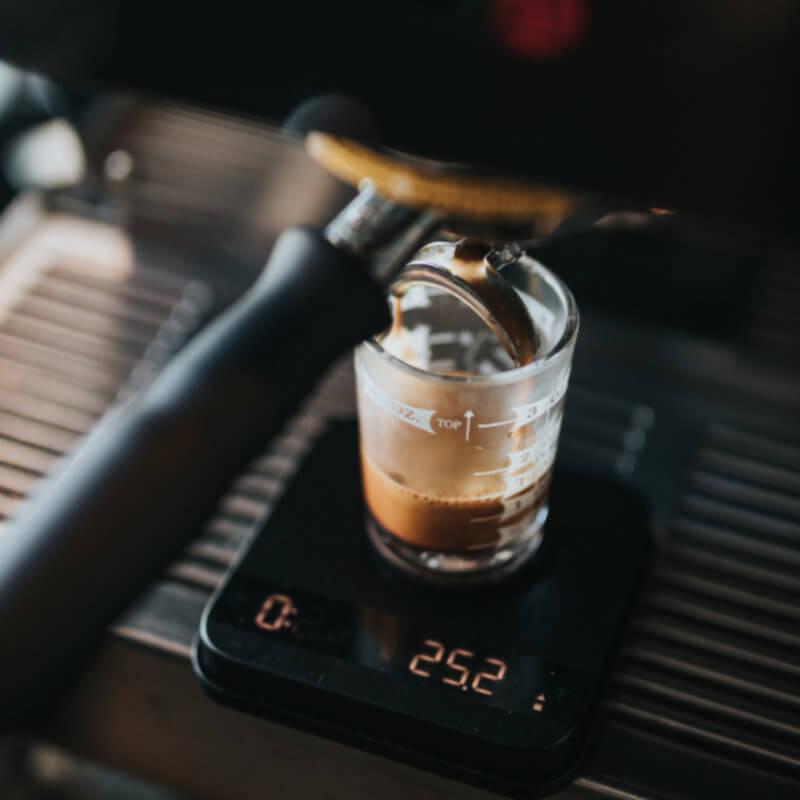 Crema — nebyla by káva bez ní lepší?
