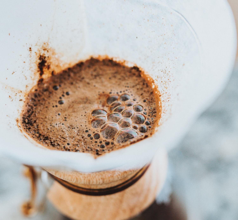 Jak zvýraznit/snížit kyselost filtrované kávy